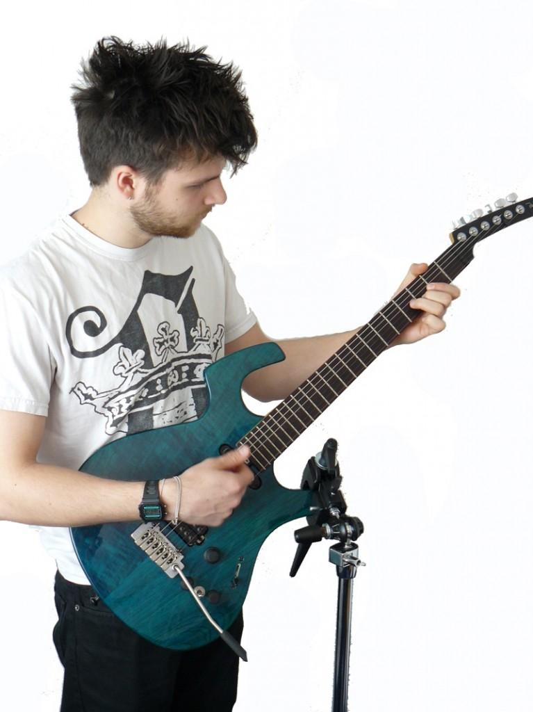 meru-instrument-stand